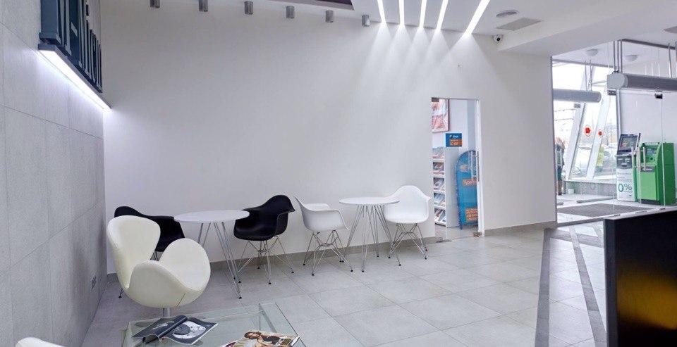 Интерьер вестибюля офисного центра